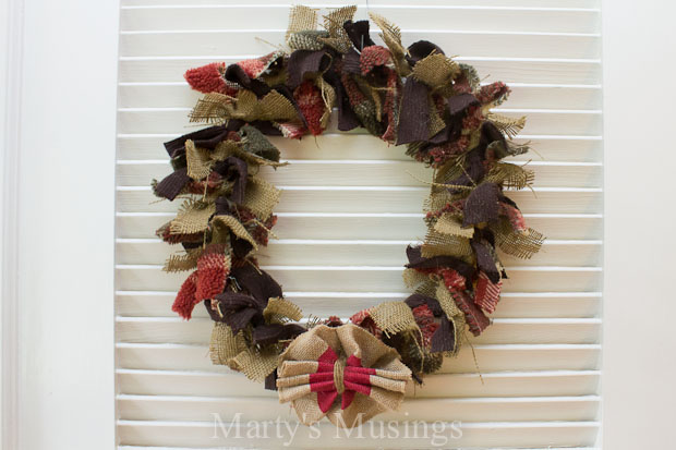 How-to-Make-a-Free-Fabric-Rag-Wreath-martys-musings.net