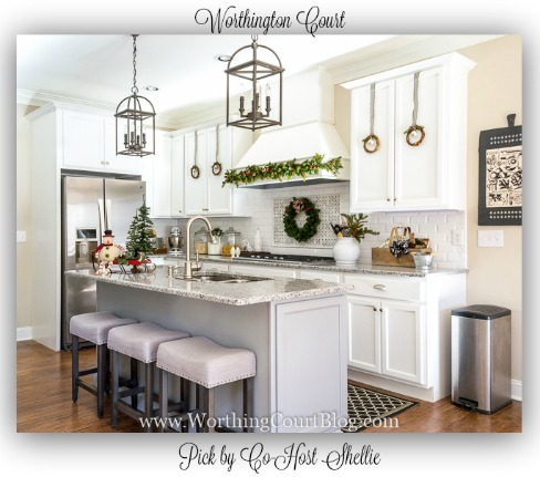Worthing-Court-Farmhouse-Christmas-Kitchen-