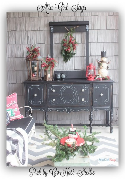 schoolhouse-inspired-vintage-Christmas-decorations-Atta-Girl-Says