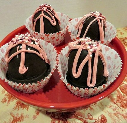 3 Winks Design CHocolate Covered Strawberry Bombs