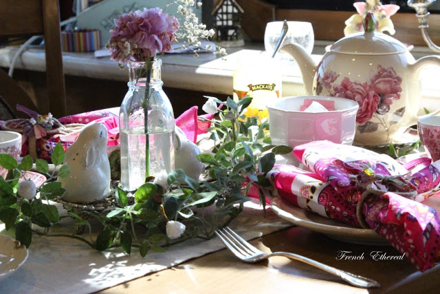 French Ethereal Try Bandanas For Fun Table Settings Use hot pink bandanads create a fun spring or summer table.
